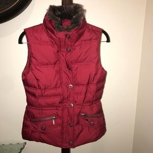 Eddie Bauer goose down vest with faux fur collar